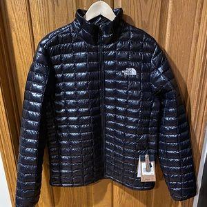 Men's NWT puff Jacket Size Large